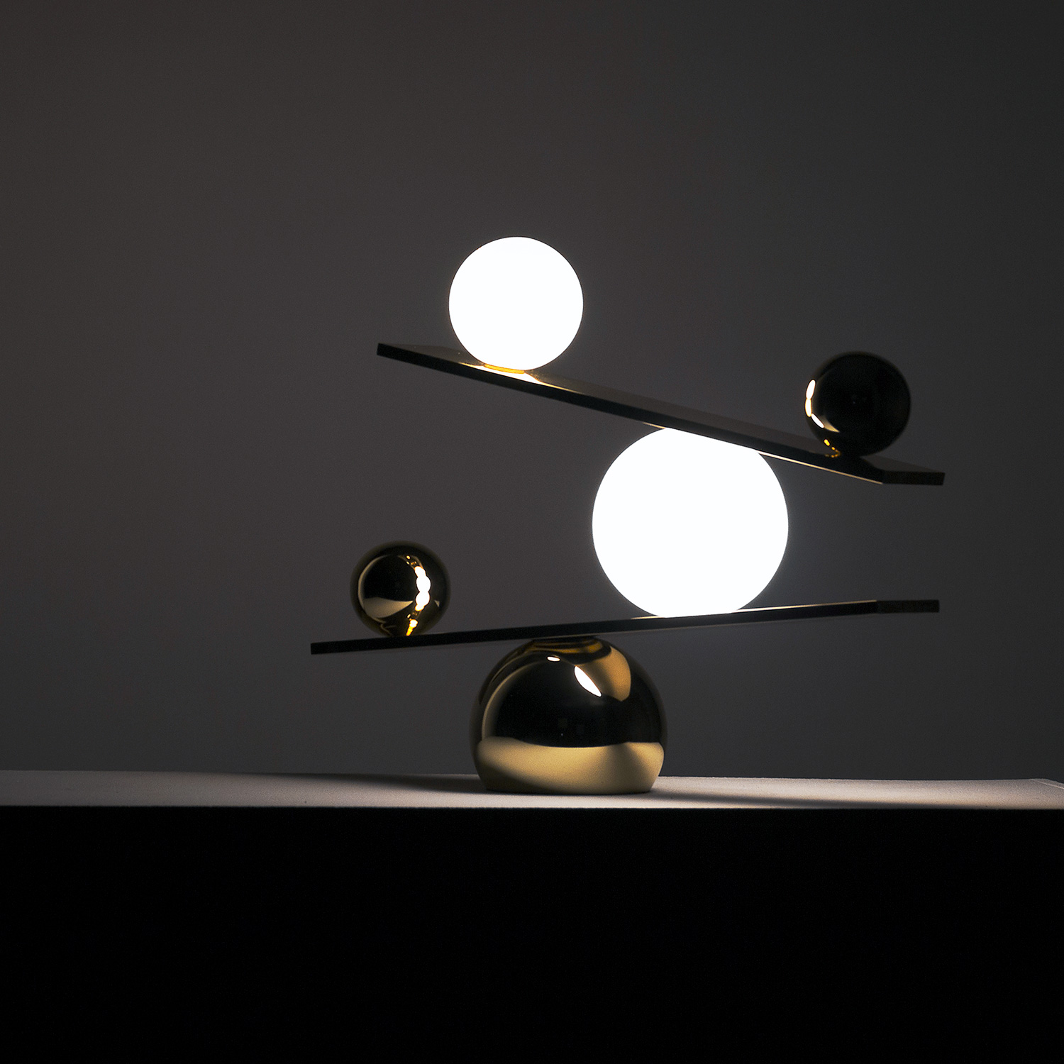 Balance table lamp by victor castanera for swedish for Victor castanera